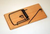 Крысоловка на деревянной основе